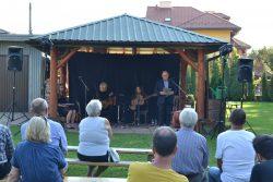 Literacko-muzyczne spotkanie z poezją Janusza Szubera